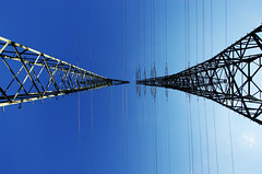 zwei strommasten 1 (Bilderschreiber) Tags: blue sky tower iron power transport himmel cable electricity mast blau strom kabel eisen elektrizitt