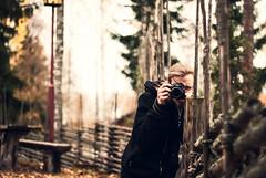 Josef (netzanette) Tags: autumn portrait heritage fall fence 50mm nikon sweden bokeh hlsingland d80 nikond80 grdesgrd forngrd bjurker bjurkersforngrd