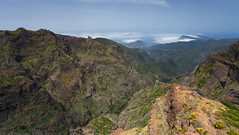 Madeiran Mountains (Katka S.) Tags: madeira island portugal nature national park pico ruivo aireiro mountains hills steep clouds above sea
