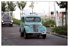 1960 Renault Dauphinoise (Ruud Onos) Tags: 1960 renault dauphinoise de2931 1960renaultdauphinoise nationale oldtimerdag lelystad nationaleoldtimerdaglelystad ruudonos oldtimerdaglelystad havhistorischeautomobielverenigingnederland