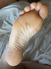 DSC04012 (thermosome) Tags: wrinkled soles mature foot feet