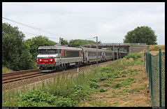 SNCF BB(5)15040+Intercits te Alvimare (Allard Bezoen) Tags: loc eloc lok elok serie 15000 bb15000 bb sncf trein train zug locomotief locomotive lokomotieve alsthom nez cass ic intercites le havre 15050 515040 bb15040 intercits 3115