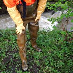 Chameau-oliv-Bach6026 (Kanalgummi) Tags: rubber waders chestwaders gummihose gloves gummihandschuhe sewer worker goutier kanalarbeiter