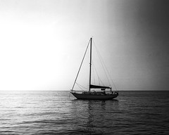 Tri-X Sunset (IV2K) Tags: lake lakehuron mamiya7ii mamiya7 mamiya mediumformat trix kodaktrix kodak 120 120film film analogue sunset sailboat sail boat