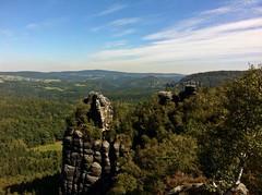 On Schrammsteinaussicht, Saxon Switzerland (echumachenco) Tags: germany deutschland sandstone saxony sachsen sandstein elbsandsteingebirge schrammsteine iphone4 sachsischeschweiz schrammsteinaussicht