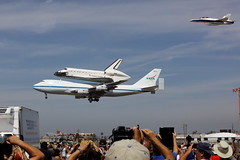 Endeavour Landing - Coming in for a Landing (Bruno_me) Tags: space shuttle lax endeavour