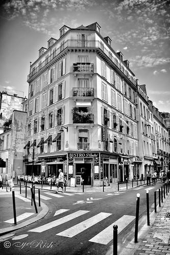 eyeRish-Paris Bistro