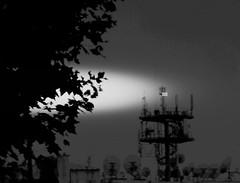 Anglų lietuvių žodynas. Žodis antenne reiškia <li>antena</li> lietuviškai.