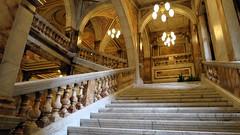 Le council de Glascow (LILI 296 ...) Tags: glasgow ecosse ville canonpowershotg7x pierre batisses escalier ballustrade marbre lampadaire