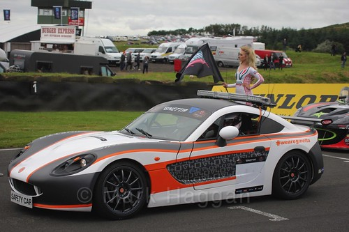 The safety car ahead of Tom Wrigley on the Ginetta GT4 Supercup grid at the BTCC Knockhill Weekend 2016