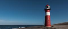 """Vuurtoren """"'Noorderhoofd"""" (Aschwinn) Tags: westkapelle vuurtoren lighthouse noordzee northsea zeeland nederland rood red d750 nikond750 nikon strand beach"""