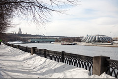 (Moscow pre-spring) (Nickolas Titkov) Tags:                    canoneos4d sigmaaf50mmf14exdghsm russia moscow spring moscowriver luzhnikibridge metrobridge andreevskyquay leninskyhills leninskygory sparrowhills vorobjevygory vorobjevyhills msu moscowstateuniversity cycletrack water sky blue streetphoto outdoor march