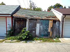 DSCN1055 v2 (collations) Tags: toronto ontario architecture documentary vernacular laneways alleys lanes garages alleyways builtenvironment vernaculararchitecture urbanfabric