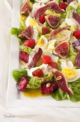 Ensalada de jamn de pato, membrillo y frutas rojas (Frabisa) Tags: salad strawberries lettuce salade figs ensalada lechuga quince fresas figues higos fraises membrillo duckham decoing jamndepato jambondecanard delalaitue