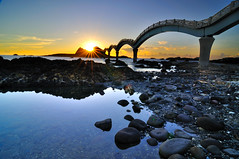 (Vincent_Ting) Tags: sea sky reflection beach sunrise coast rocks taiwan formosa    startrails