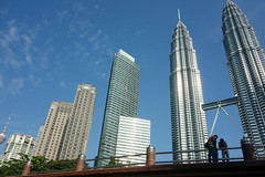 Rendezvous (* Hazman Zie *) Tags: zeiss sony explore malaysia twintowers kualalumpur rx carlzeiss rx100 sonyrx100