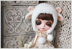 White Sheep hat for Blythe