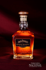Whiskey Jack Daniels Single Barrel (Sergio Carvalho Fotos) Tags: whiskey whisky jackdaniels productphotography jackdaniels usque tabletopphotography fotodeprodutos whiskyjackdaniels
