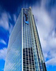 Radisson Blu Plaza Hotel in Oslo  The Tallest Building in Norway (Maria_Globetrotter) Tags: plaza longexposure autumn sky cloud building oslo norway architecture skyscraper hotel norge day cloudy blu radisson capital september le hst 2012 arkitektur tallest hotell tallestbuilding moln skyskrapa byggnad 1585 canon550 nd110 huvudstad radissonbluplazahotel canon550d mariasweden