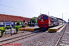 Local Train idle (maulana_BB204) Tags: me2youphotographylevel1