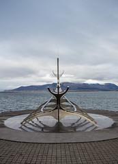 Sun Voyager / Sólfar (Guruinn) Tags: sea sculpture mountain art beach statue iceland seaside day cloudy esja september reykjavík esjan ísland sjór 2012 sunvoyager strönd sólfar fjall stytta thesunvoyager listaverk sjávarsíða skúlptúr