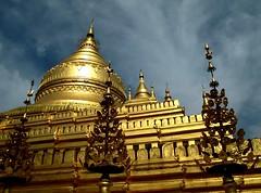 Myanmar - Febbraio 2012 - Explorer Oct 2, 2012 #383 (anton.it) Tags: gold cielo myanmar viaggio bagan oro pagode birmania canong10 antonit flickrstruereflectionlevel1 silverlostcontperdidos