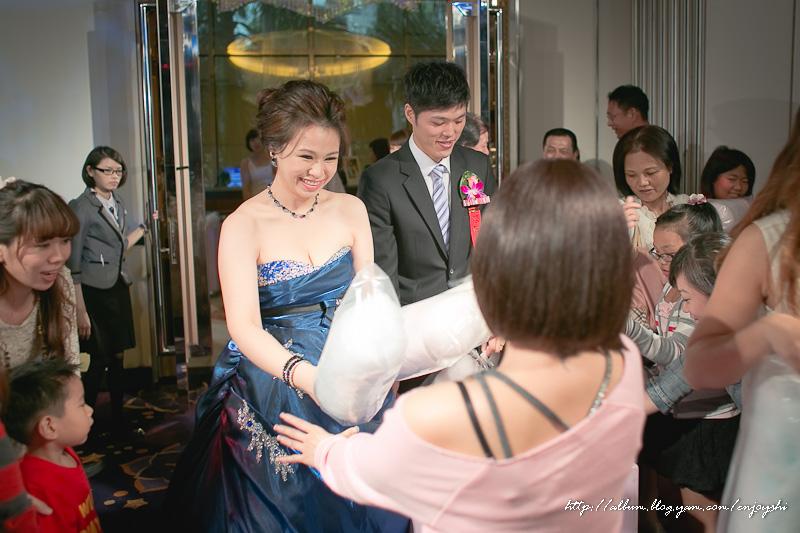 炳霖 依萍 結婚-0196.jpg