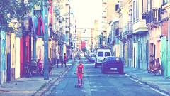 Tener calle (lluiscn) Tags: carrer street calle barri district cabanyal valncia mariner cases finques casa edificis xiqueta girl sabates