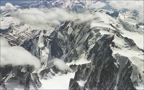 Magnificent aerial view of Mont Blanc 02 DESKTOP