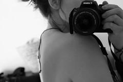 APODYOPSIS (s) El acto de desvestir mentalmente a una persona. (Lucia Corts Tarrag) Tags: nude trasparencia camera camara canon canon100d mandibula piel skin suave seda blach