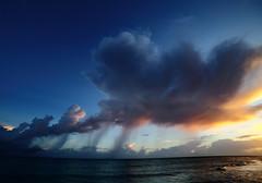 A T-rain of thoughts (Robyn Hooz) Tags: nuvole clouds rain virgas sunset tramonto mare sea waves onde cuba varadero colori cielo sky