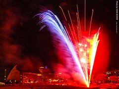 Fireworks in KC, 2 Sept 2016 (photography.by.ROEVER) Tags: fireworks firework kansascity missouri usa display september 2016 september2016 kauffmancenterfortheperformingarts