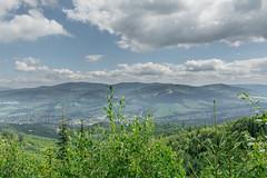 Wsie oddzielające Beskid Śląski od Żywieckiego (czargor) Tags: beskidy beskidslaski mountains mountainside baraniagora sightseeing
