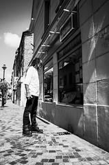 Rasta (Olivier DESMET) Tags: olivierdesmet ricoh ricohgr gr street streetphoto streetphotography photosderue candid lesgens bw blackandwhite noirblanc nb 28mm