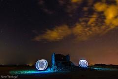 Esferas (Remei Montagut) Tags: light painting lightpainting noche nocturna estelas estrellas linterna esferas rayos