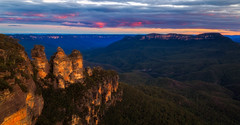Blue Mountains Sunset (djryan78) Tags: landscape sunset sandstone bluemountainsnationalpark mountains canon1740l outdoor canon hoyand64 dusk 6d sandstonebedrock mountsolitary forest newsouthwales fog mountain threesisters spring bedrock katoomba nationalpark hills hill longexposure nd64 bluemountains trees cloudy clouds cloud tree australia greatdividingrange hoya canon6d 1740 mtsolitary 1740l canon1740 dslr valley