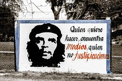 _Q9A7758 (gaujourfrancoise) Tags: cuba caribbean carabes gaujour sloganspolitiques politicalslogan cheguevara fidelcastro guerrillas gurilleros rouge red mythes myths affiches posters