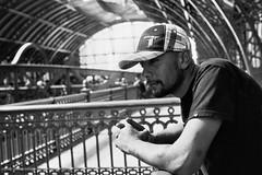@vintequatro10 #2410 (Bruno Nogueiro) Tags: 2410 vintequatro10 pentax pentaxkm estaodaluz portrait retrato rua street streetphotography streetphotographer fotografiaderua fotografiadocumental tattoo 50mm 35mmfilme 35mmfilm pretoebranco bw blackandwhite pb sp sopaulo sampa brasil brazil cidade