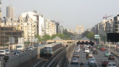 2007-04-12 - Neuilly-sur-Seine, Pont de Neuilly (lausanne1000) Tags: paris ratp stif parisien rgie transports commun public publics ledefrance 75 france mtro metro subway ubahn underground rail light alstom 89cc