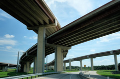 Monument (Lars Plougmann) Tags: i45 intersection mopac highway loop1 austin ramp motorway texas flyover roundrock unitedstates us dscf6187