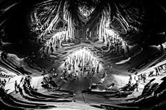 Mirror World (Markus Hill) Tags: chicago bw usa city monochrome schwarzweiss canon travel reflection 2016 spiegel art people