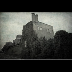 The Deanery (Fergus Maryfield) Tags: england music rock metal village guitar fujifilm berkshire ledzeppelin countrylife sonning x10 edwinlutyens gertrudejekyll jimmypage siredwinlutyens edwardhudson deanerygarden mygearandme kiedyszko sonnononthames