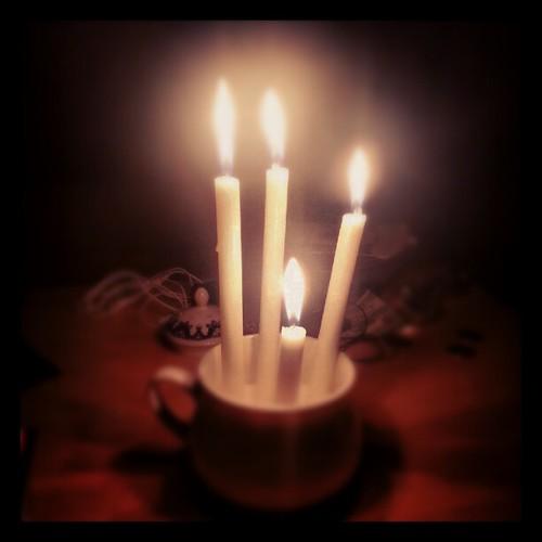 عمر روزای بد هم مثل شمعه، منتها لامصبها یکی دوتا نیستن که. . . ولی به هر حال سحر نزدیک است :)