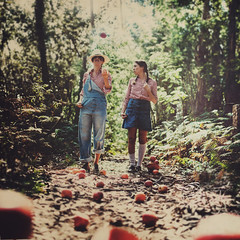 the apple pickers (Ana Lusa Pinto [Luminous Photography]) Tags: two people selfportrait apple shirt square twins week1 match apples manip 52 multiply pickers story1 52weeks luminousphotography 52stories luminouslu analusapinto