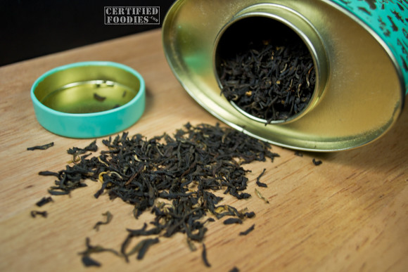 The loose Assam and Yunnan tea leaves of Twinings Diamond Jubilee Commemorative Blend