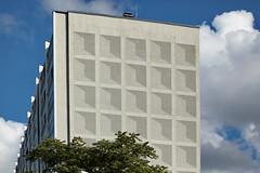 fassade (sterreich_ungern) Tags: berlin germany concrete deutschland flat ost beton tristesse hochhaus