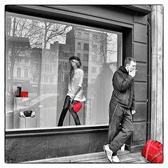 Just Killing Time ...... and Lungs ....... (*Lie ... on & off ... !) Tags: red rot rouge belgium cigarette candid belgi fumeur smoker rood handbag antwerpen sigaret raucher straatbeeld roker streetshot roken sacoche fumer sigarette rauchen vlaanderen myhometown photoderue handtas handtasche tosmoke sacmain redhandbag provincieantwerpen busjekomtzo rotehandtasche rodehandtas sacmainrouge