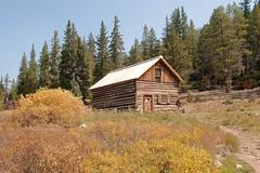 Roberts, cabin & shack (Rocky Pix) Tags: robertscabinshackd sppprrdenversouthparkpacificrailroadtarryallcomoboreaspassgradeaspenpineeddiesouthparkcountycoloradorockiesrockypixrockymountainpixwmichelkiteleyf161100thsec32mm2470mmf28f28gnikkornormalzoomhandheld