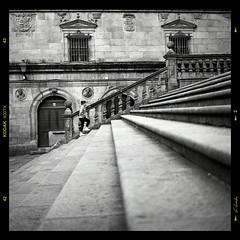 Plaza de Platerías / Platerías square (A.González) Tags: plaza santiago españa stairs square spain coruña cathedral catedral santiagodecompostela compostela pilgrim escaleras peregrino platerias platerías
