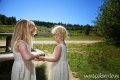 Merel & Fleur (Manuel Speksnijder) Tags: merel fleur meisjes girls kinderen kids portret portrait kwintelooijen rhenen 500px zusjes sisters